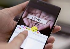 Facebook свертывает вне 5 новых кнопок реакций Стоковая Фотография RF
