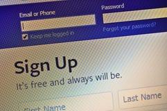 Facebook assina acima - a captura de tela Fotografia de Stock