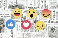 Facebook Empathetic Emoji reaktioner på retro tidningsbackgroun vektor illustrationer