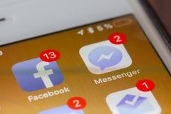 Facebook en boodschapper apps stock afbeelding