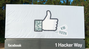 Facebook Incs ingångstecken på det företags kontoret i Kalifornien Royaltyfri Bild
