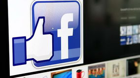 Facebook mögen Knopf auf Website stock video