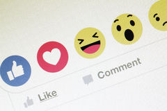 Facebook ontwikkelt vijf nieuwe reactiesknopen Royalty-vrije Stock Foto's
