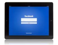 Facebook op iPad 3 Stock Foto's