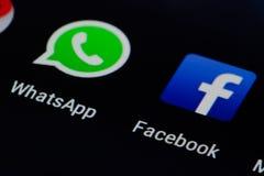 Facebook y Whatsapp fotografía de archivo libre de regalías