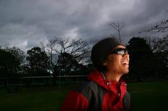 faceci uśmiechnięci okulary przeciwsłoneczne Obrazy Royalty Free