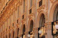 Facede av en byggnad i Milan royaltyfria foton
