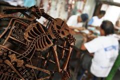 Facendo batik timbrare Fotografia Stock Libera da Diritti