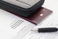 Facendo domanda per la registrazione degli stranieri dell'immigrato degli Stati Uniti e fotografie stock libere da diritti