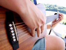 Facendo musica fuori nel sole Immagine Stock Libera da Diritti