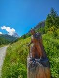 Facendo un'escursione al Cervino, cima delle alpi svizzere Immagini Stock