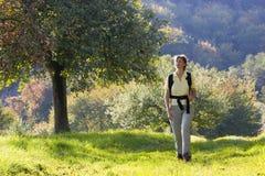 Facendo un'escursione in autunno Fotografia Stock