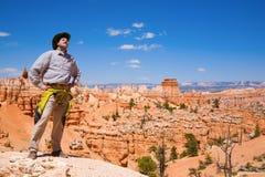 Facendo un'escursione in canyon di Bryce Immagine Stock Libera da Diritti