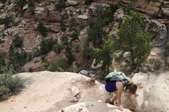 Facendo un'escursione in Canyonlands Fotografie Stock