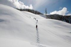 Facendo un'escursione in inverno Fotografia Stock