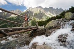 Facendo un'escursione in montagne di Tatra, la Slovacchia Fotografie Stock Libere da Diritti