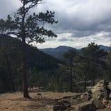Facendo un'escursione nei Colorado Rockies fotografia stock