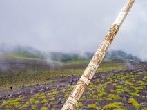 Facendo un'escursione nel monte Fuji famoso immagine stock