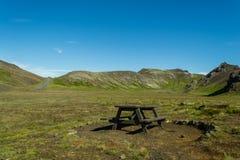 Facendo un'escursione nel paese geotermico Fotografia Stock