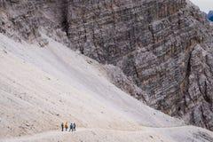 Facendo un'escursione nell'le dolomia italiane Immagini Stock Libere da Diritti