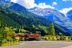 Facendo un'escursione nelle alpi austriache Fotografia Stock