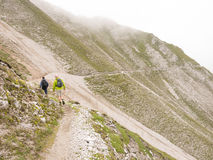 Facendo un'escursione nelle alpi austriache Fotografia Stock Libera da Diritti