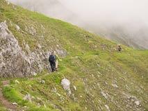 Facendo un'escursione nelle alpi austriache Immagini Stock Libere da Diritti