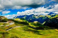 Facendo un'escursione nelle alpi austriache Montagna delle alpi Vista di estate l'austria Fotografie Stock