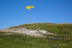 Facendo un'escursione nelle alpi svizzere Fotografia Stock Libera da Diritti