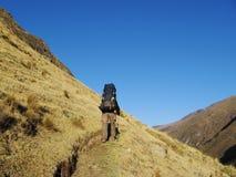 Facendo un'escursione nelle Cordigliera Immagine Stock
