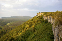Facendo un'escursione nelle montagne della Crimea Fotografie Stock