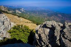 Facendo un'escursione nelle montagne della Crimea Fotografia Stock Libera da Diritti