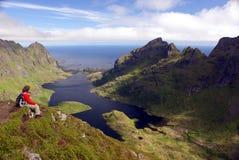 Facendo un'escursione su Lofoten Immagine Stock