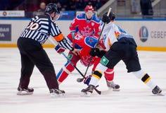 Faceof Chernov P (53) contra Stas A (23) Fotografía de archivo
