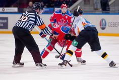 Faceof Chernov P (53) versus Stas A (23) Stock Fotografie