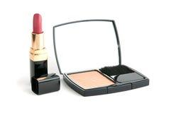 Facepowder en lippenstift Royalty-vrije Stock Fotografie