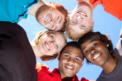 Faces de estudantes universitários Multi-racial de sorriso Fotografia de Stock Royalty Free
