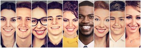 Faces de sorriso Grupo feliz de jovens fotografia de stock