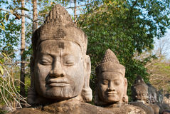 Faces sul 1 da porta de Angkor Thom fotos de stock royalty free