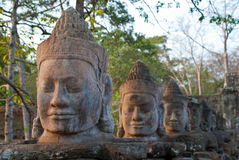 Faces sul 6 da porta de Angkor Thom foto de stock royalty free