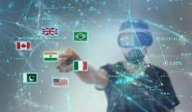Facet patrzeje przez VR rzeczywistości wirtualnej szkieł - indianin flaga Zdjęcia Stock