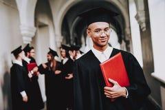 facet salopa uniwersytet classmates rozochocony obrazy stock