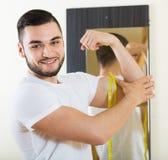 Facet sprawdza sprawność fizyczna rezultaty Zdjęcie Stock