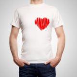 Facet w koszulce z słuchający zdjęcie stock