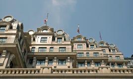 Fachada única del hotel Fotos de archivo
