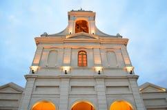 Fachada alaranjada da igreja Imagem de Stock
