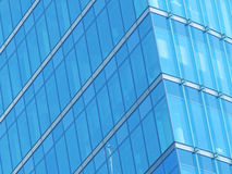 Fachada azul del vidrio del edificio imagen de archivo libre de regalías