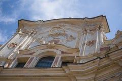 Fachada barroco italiana, com céu azul Fotografia de Stock