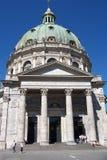 Fachada columnar da catedral. Fotos de Stock