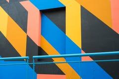 Fachada con la pintura geométrica Imágenes de archivo libres de regalías